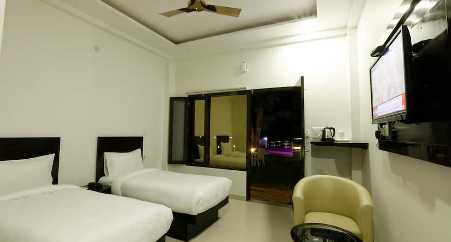 Mahayana Resort & Spa, Neelkanth Road,