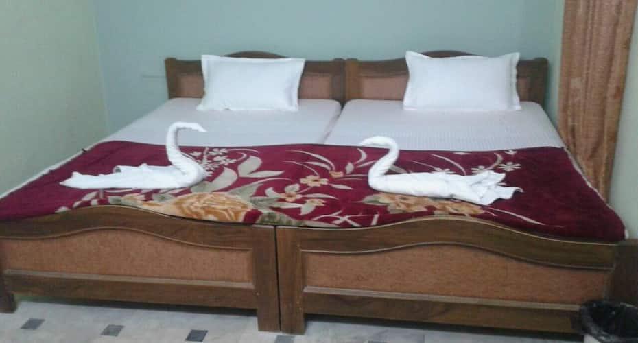 Hotel Surat, Hanuman Circle,
