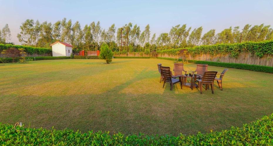 V Resorts Shuhul Garden, Sector 11,