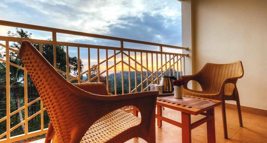 Ice Berg Hill Resort, Anachal,