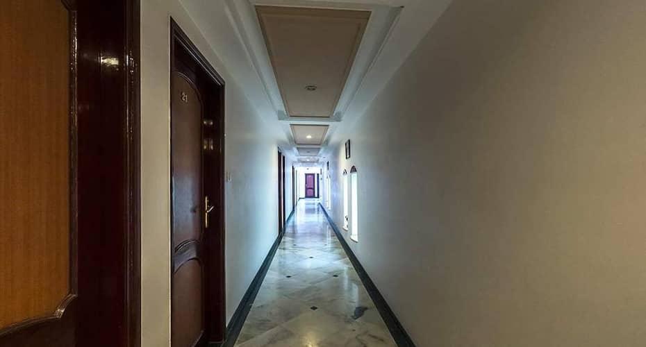 Hotel Galaxy, Station Road,