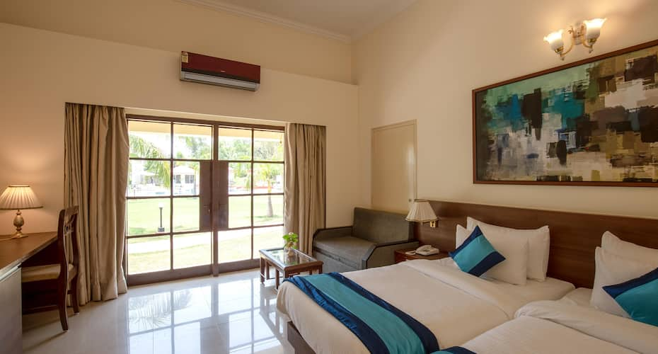 Mint Bundela Resort, Temple Road,