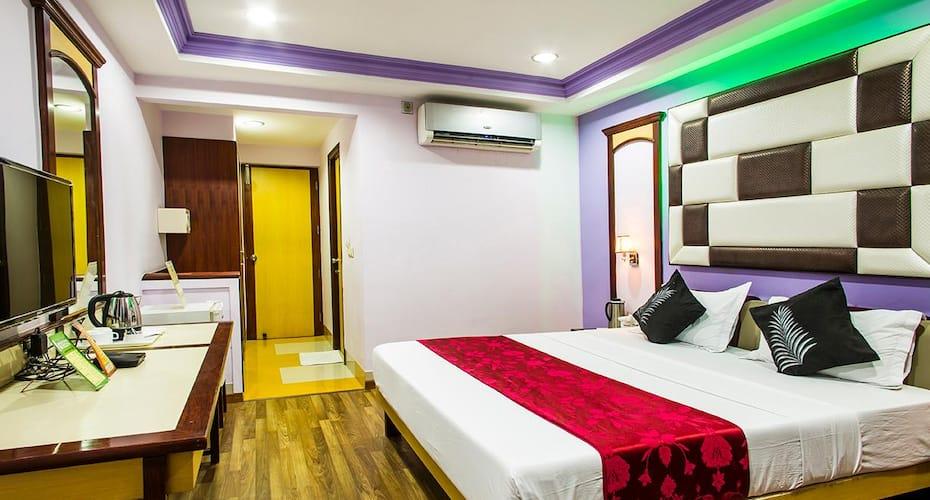 Hotel Heeralal, Rani Bazar,