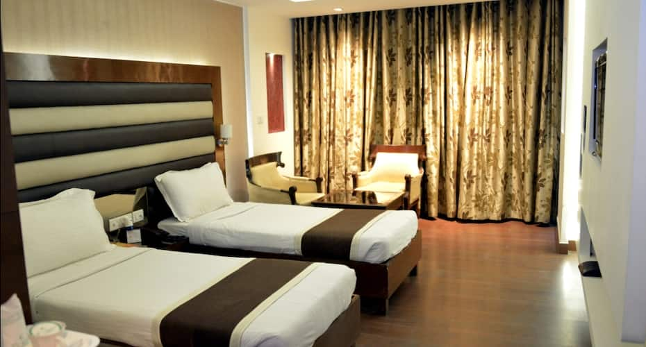Hotel KC Residency, Sector 35,