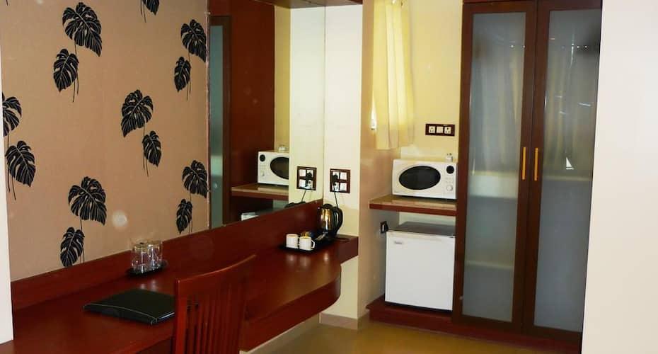 Hotel Mint MontVert, Baner,