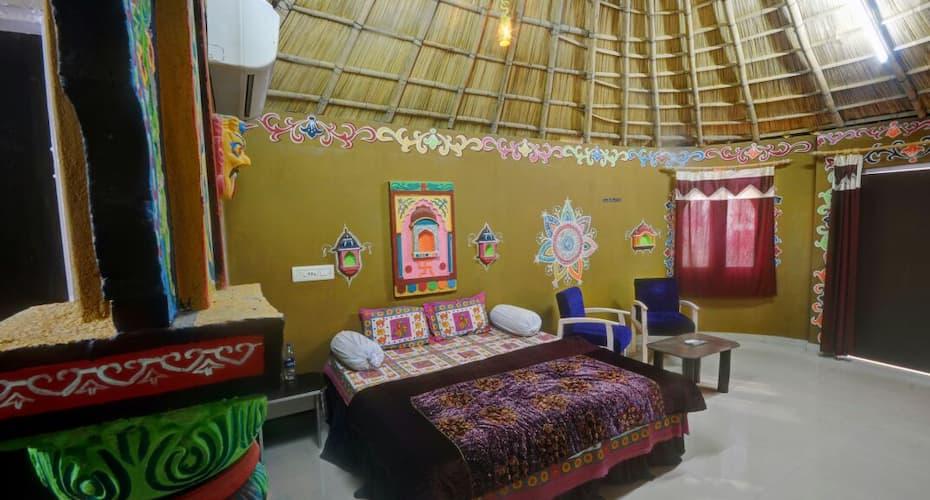 Padmini Heritage Resort, Ana Sagar Lake,