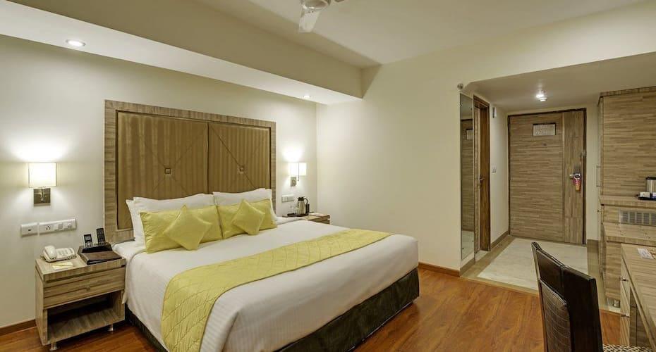 Sterling Agra, Taj Nagari,