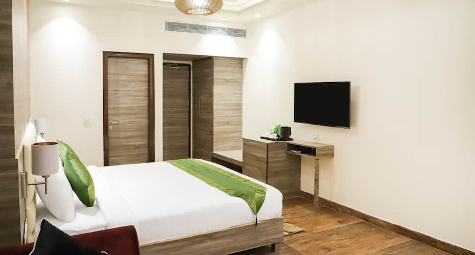 Hotel Arista Grand, Morni Road,