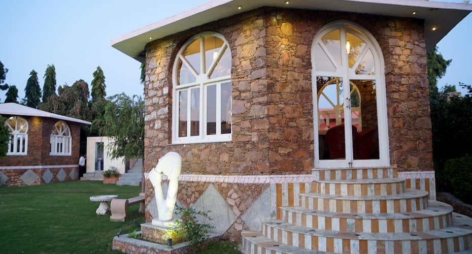 Bonjour Paradise Resort, Fateh Sagar Lake,