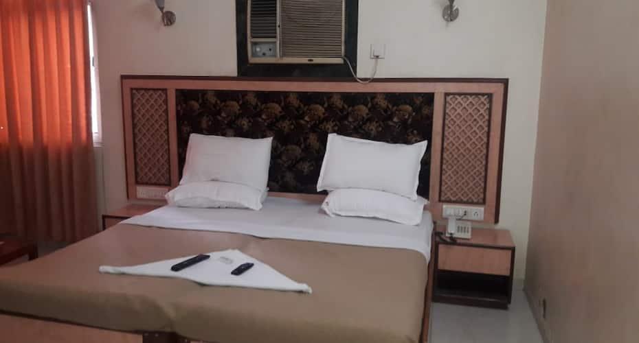 Hotel Subhash MIDC Andheri, Andheri East,