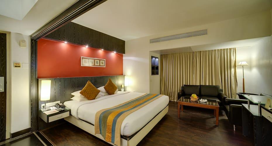 Ramee Guestline Hotel Khar, Khar,