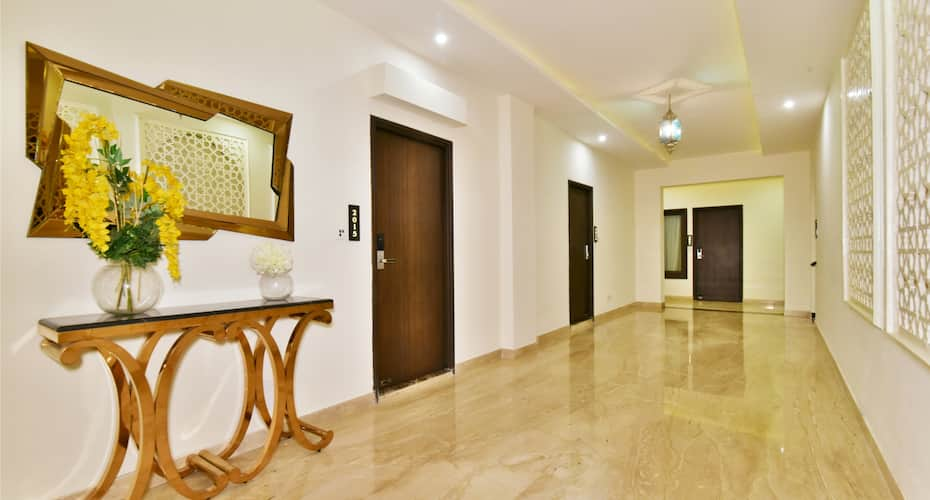 Hotel Shiraz Castle, Queens Road,
