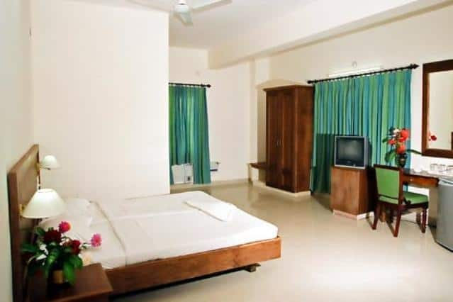 Issacs Hotel Regency, Sulthan Bathery,
