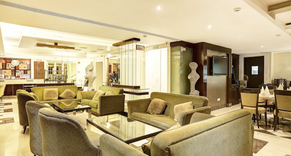 Hotel Western Court, Sector 43 B,