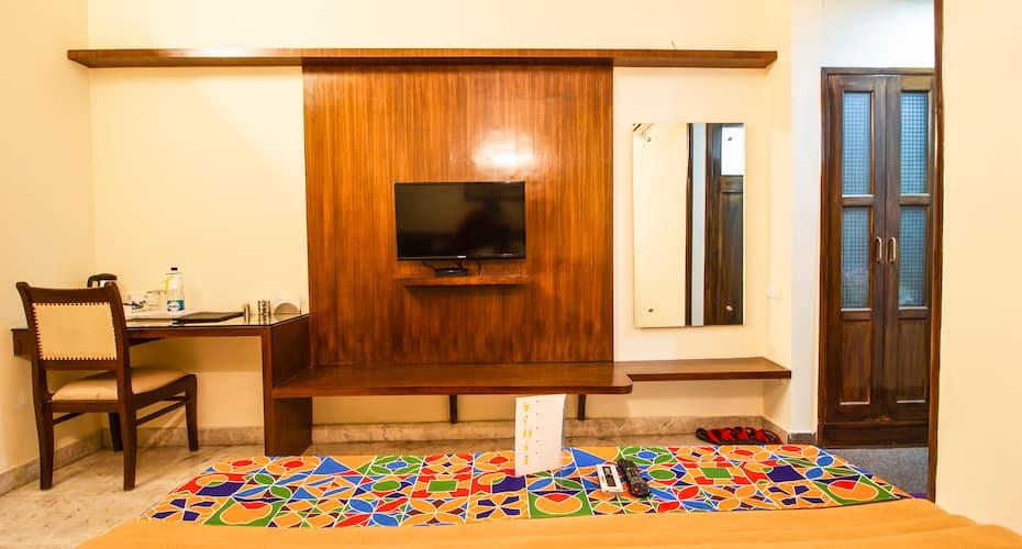 Hotel Swaruchi Inn Rohini, none,