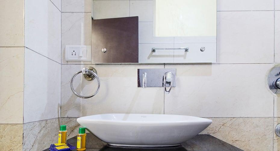 Hotel Petals Inn Noida, Sector 46,