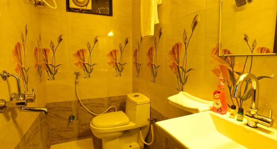 Hotel White Tulip, Airport Road,