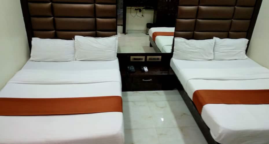 Hotel Karishma, Dadar,