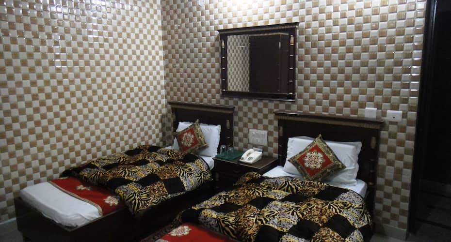 Hotel Hallmark Regency, Clock Tower Road,
