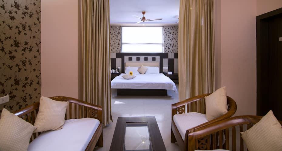 Hotel Ganpati Palace, Sri Krishna Janmasthan,