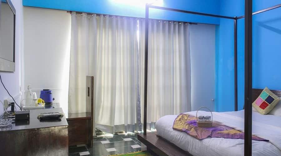 V Resorts Aravali Silence Lakend Udaipur, Fateh Sagar Lake,