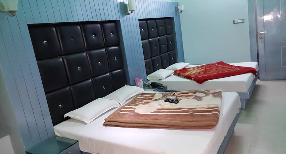 Hotel Krishna Inn, Shiv Murti Lane,
