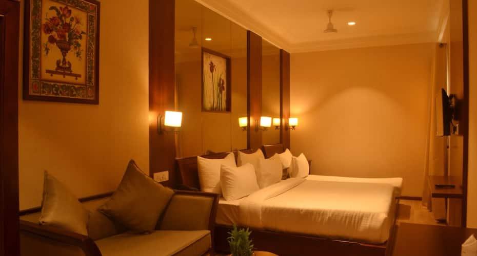 Hotel Golden Tower, Near Golden Temple,
