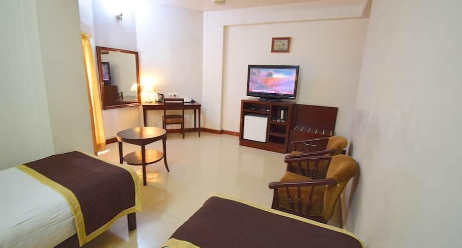 Hotel Shikha, C Scheme,