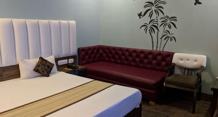 Hotel Mourya, Sector 22 C,