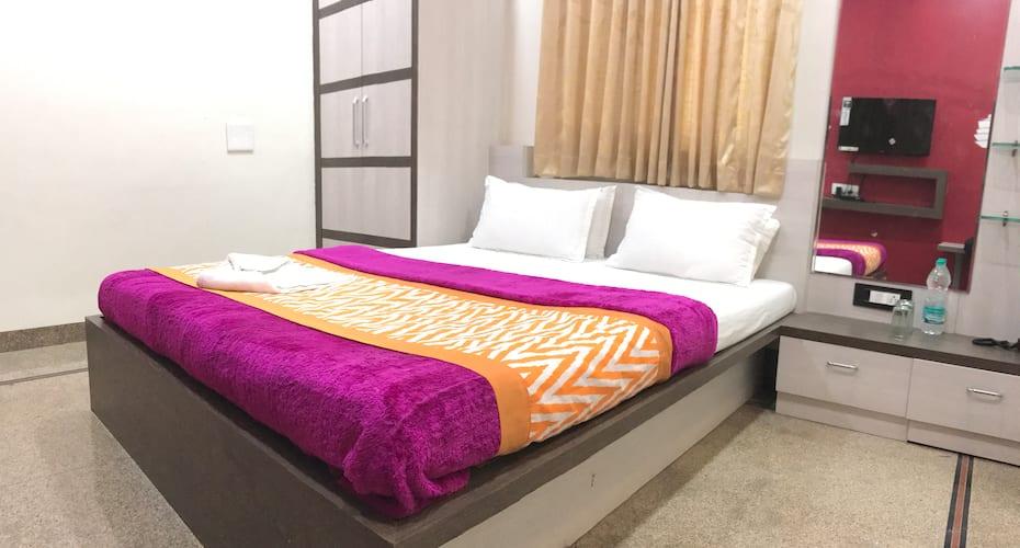 Hotel Chhaya, Aurangpura,