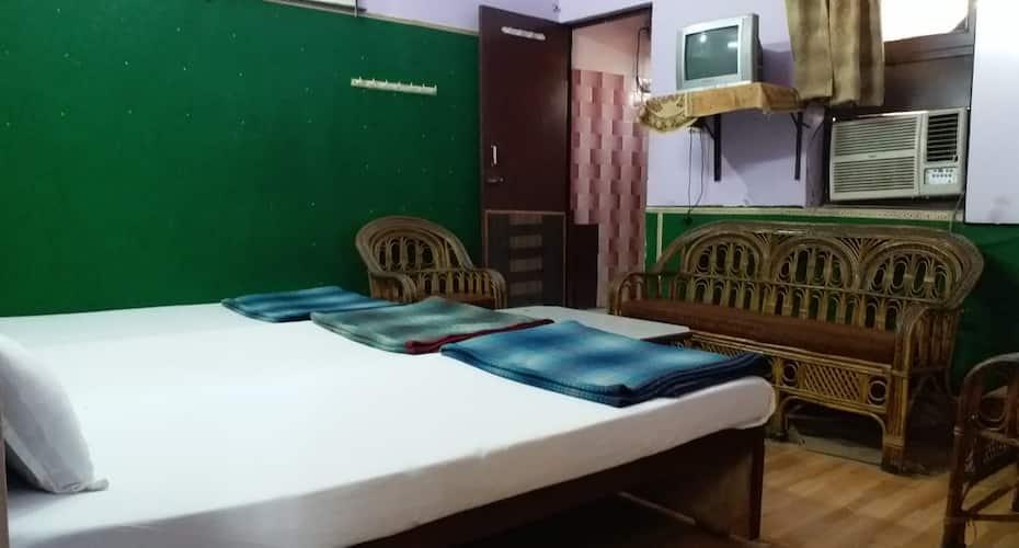 Hotel Raj Bed & Breakfast, Sadar Bazaar,