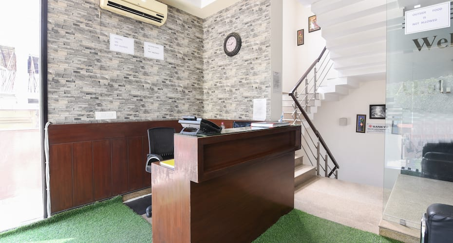 Hotel Aksh Palace Golf Course Road, Golf Course Road,