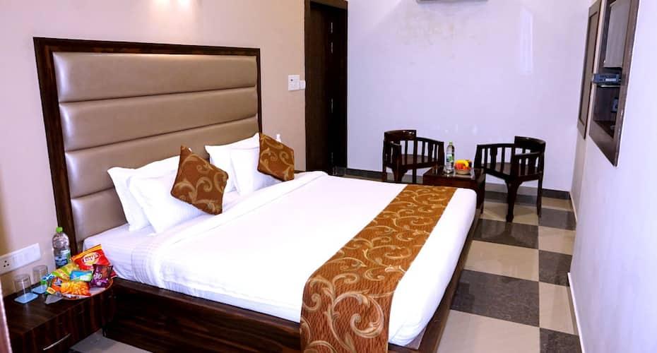 Hotel Pratap, Taj Nagari,