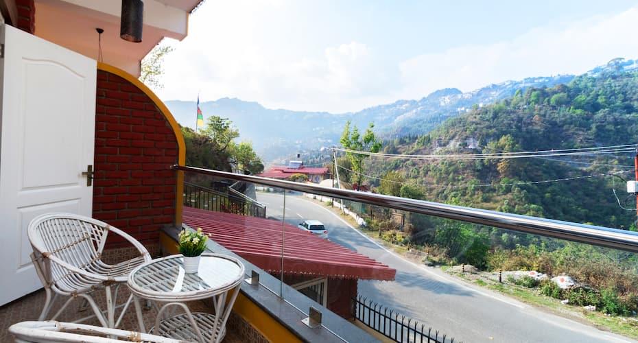 Nirvana Lodge & Lounge (A Boutique Hotel), Village Bhatta,