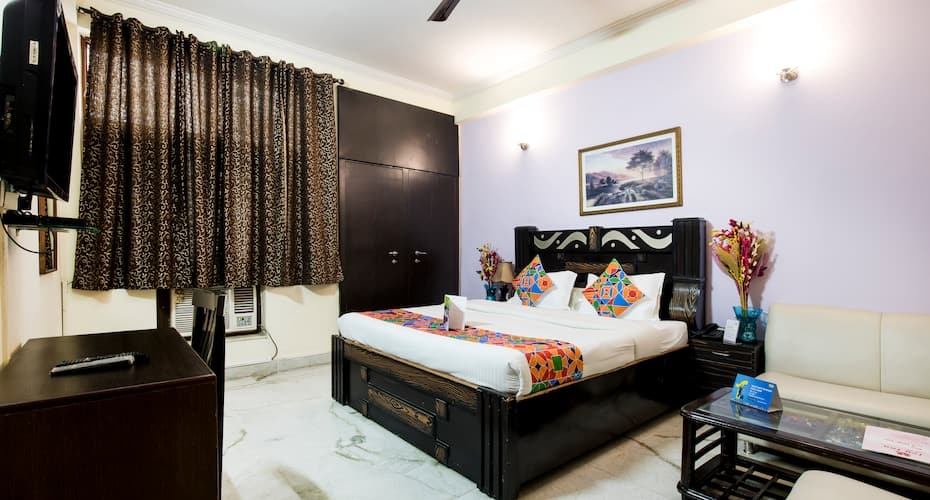 FabExpress Ivy Inn,Noida