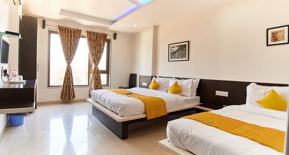 Hotel Sai Bansi, Rahata,