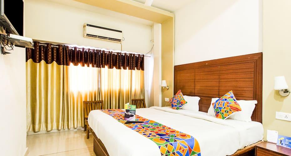 Hotel Surya Continental, Alambagh,
