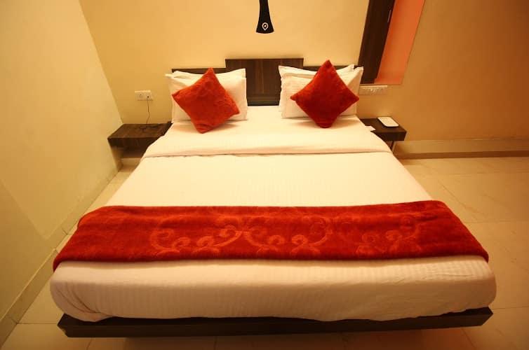Hotel Royal Stay, Bodakdev,