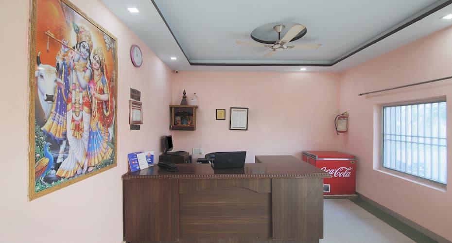 Treebo Trip Banshi, Taj Nagari,