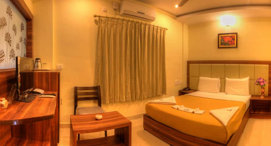 Hotel Aditya, Devaraja Mohalla,