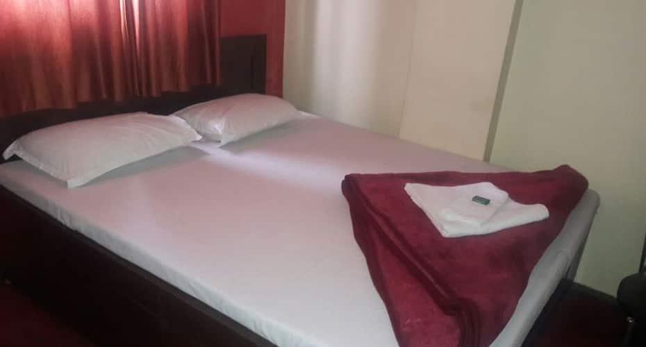 Hotel Ivy Castle, Chowrasta,