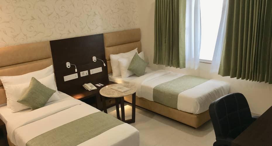 Hotel Royal Stay, Nehru Road,