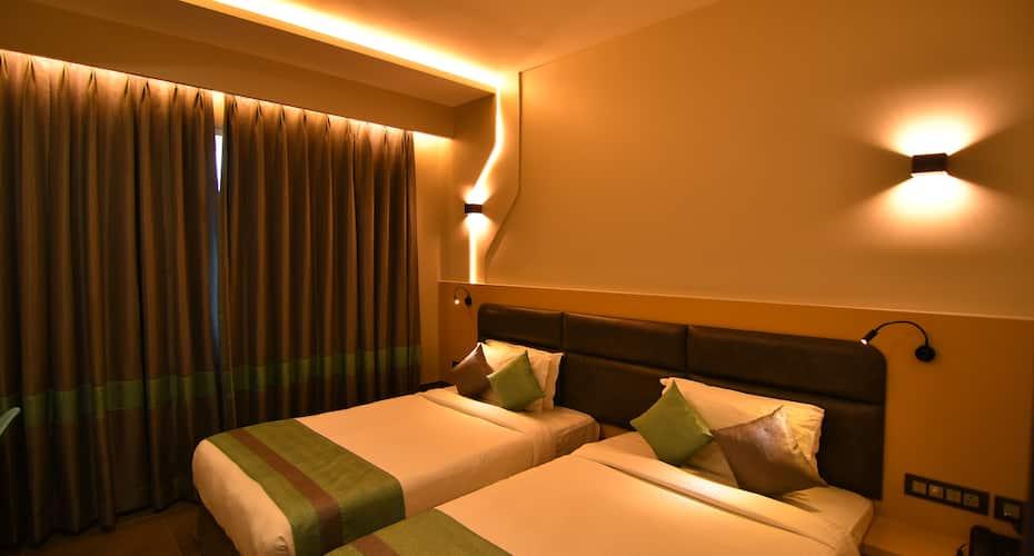 The Cent ( Hotel Sandhya ), Lakdi Ka Pool Khairatabad,