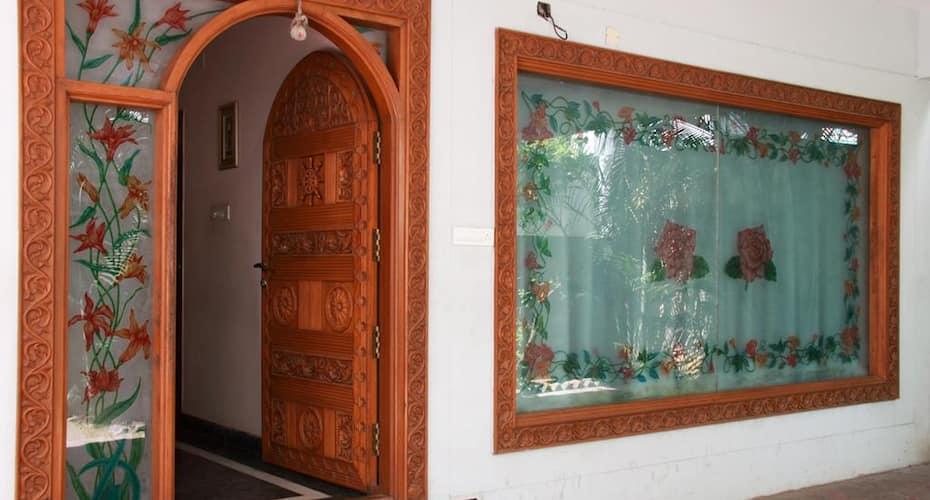 Lloyds Guest House - Krishna Street, T Nagar, T. Nagar,