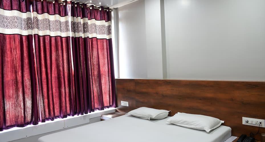 Hotel Raghumani Palace, Near Mahakal Temple,