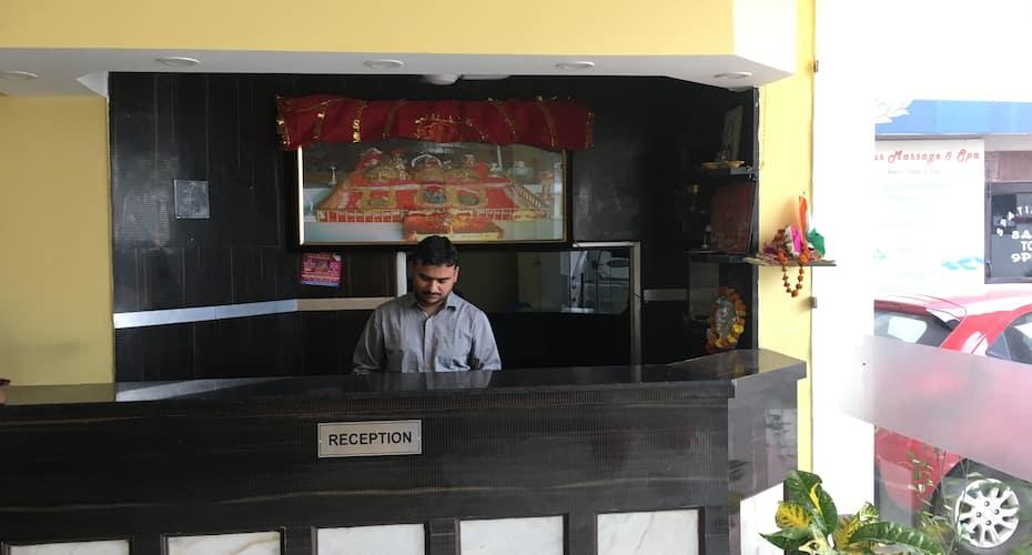 Hotel Jai Mata Di, Railway Road,