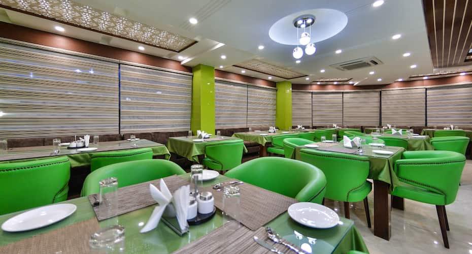 Hotel Six Seasons, Nowgam,