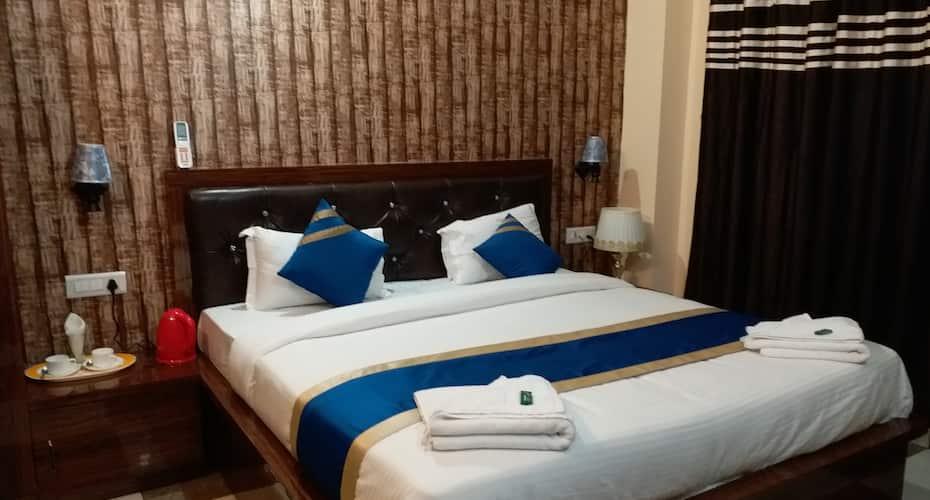Hotel King's Banaras, Assi,