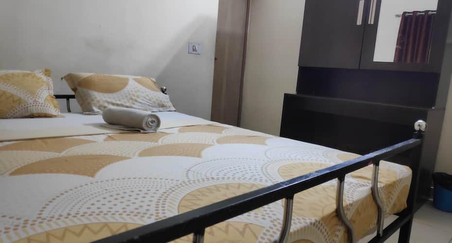Hotel Silver Space, Ernakulam North,