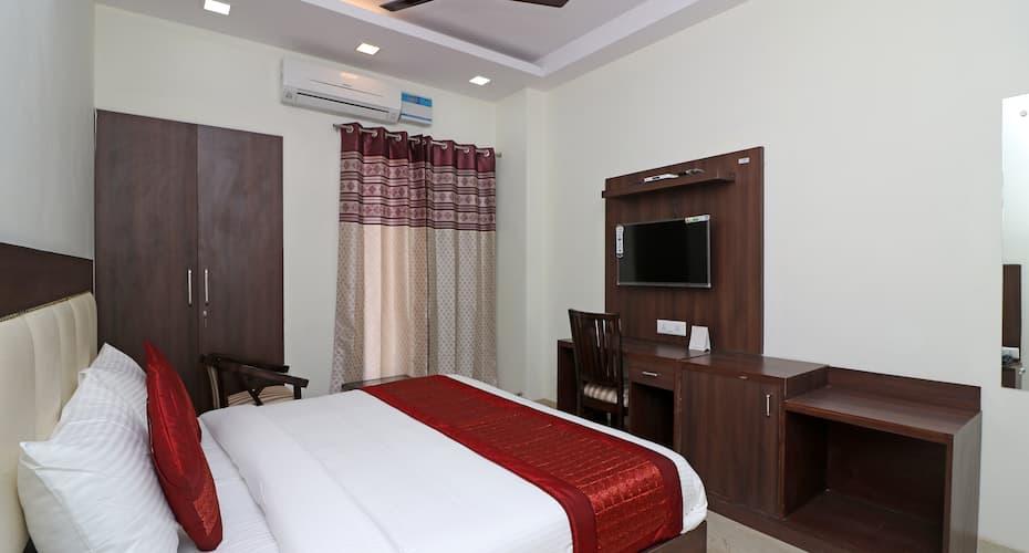 SKS Hospitality, Sushant Lok,